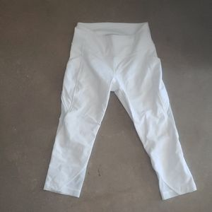Lululemon size 00 capri leggings white